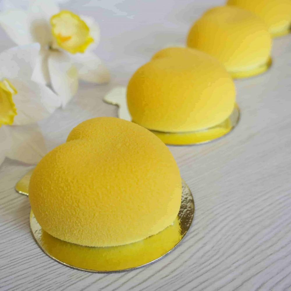 """Пирожное """"Желтое сердечко"""" в велюре"""