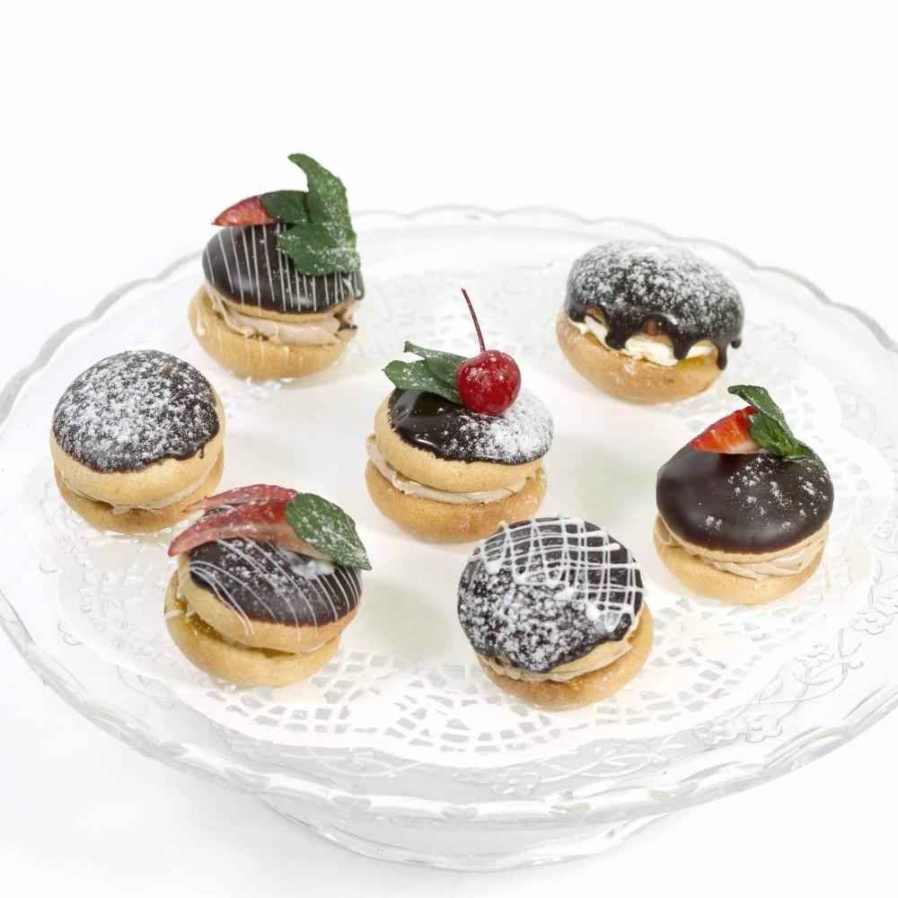 Десерт Буше с украшением